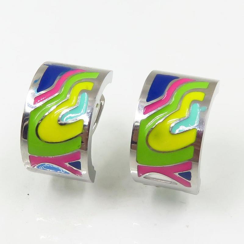 Fashion design women enamel silver stud earrings