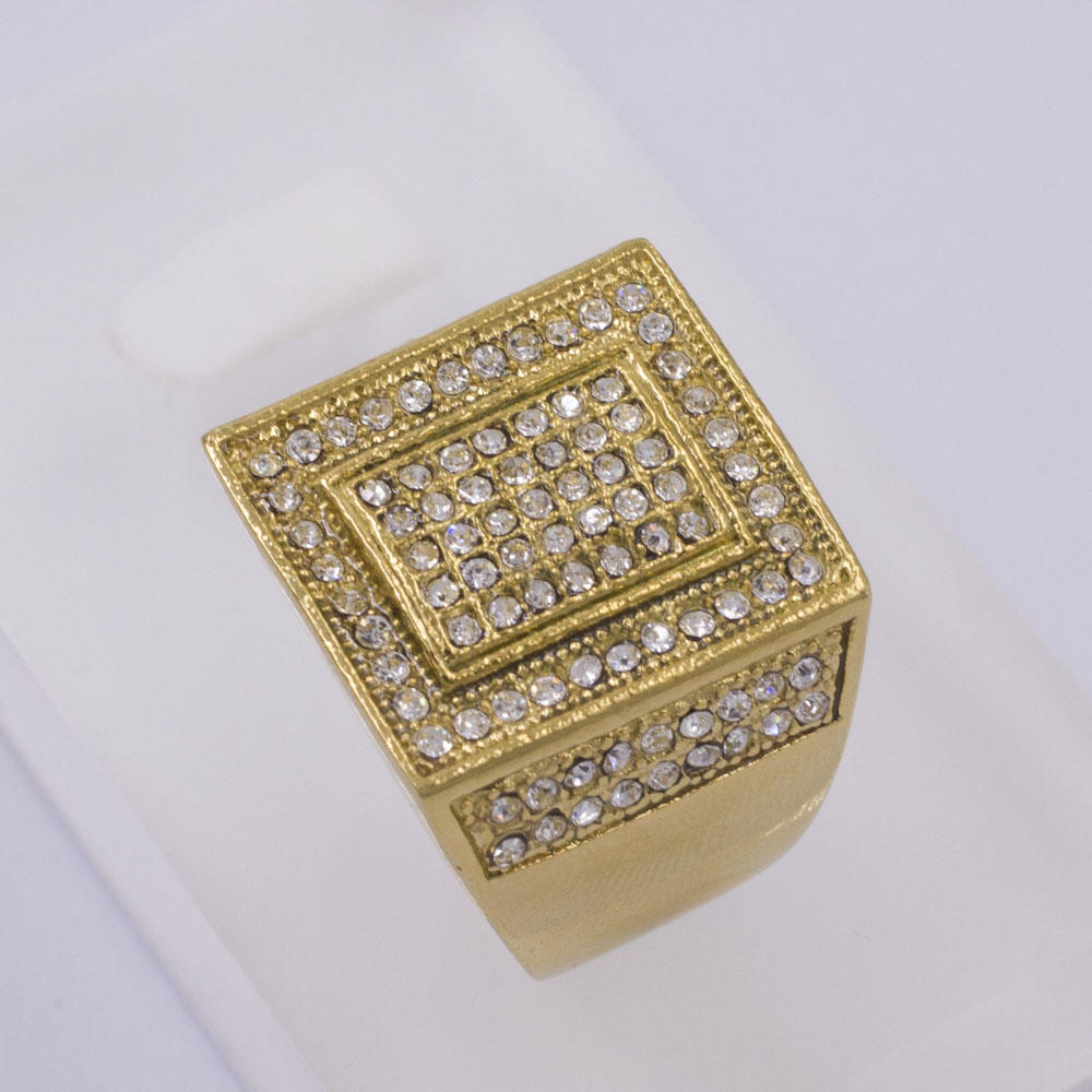 Low MOQ factory wholesale price gold color diamond stainless steel men's ring