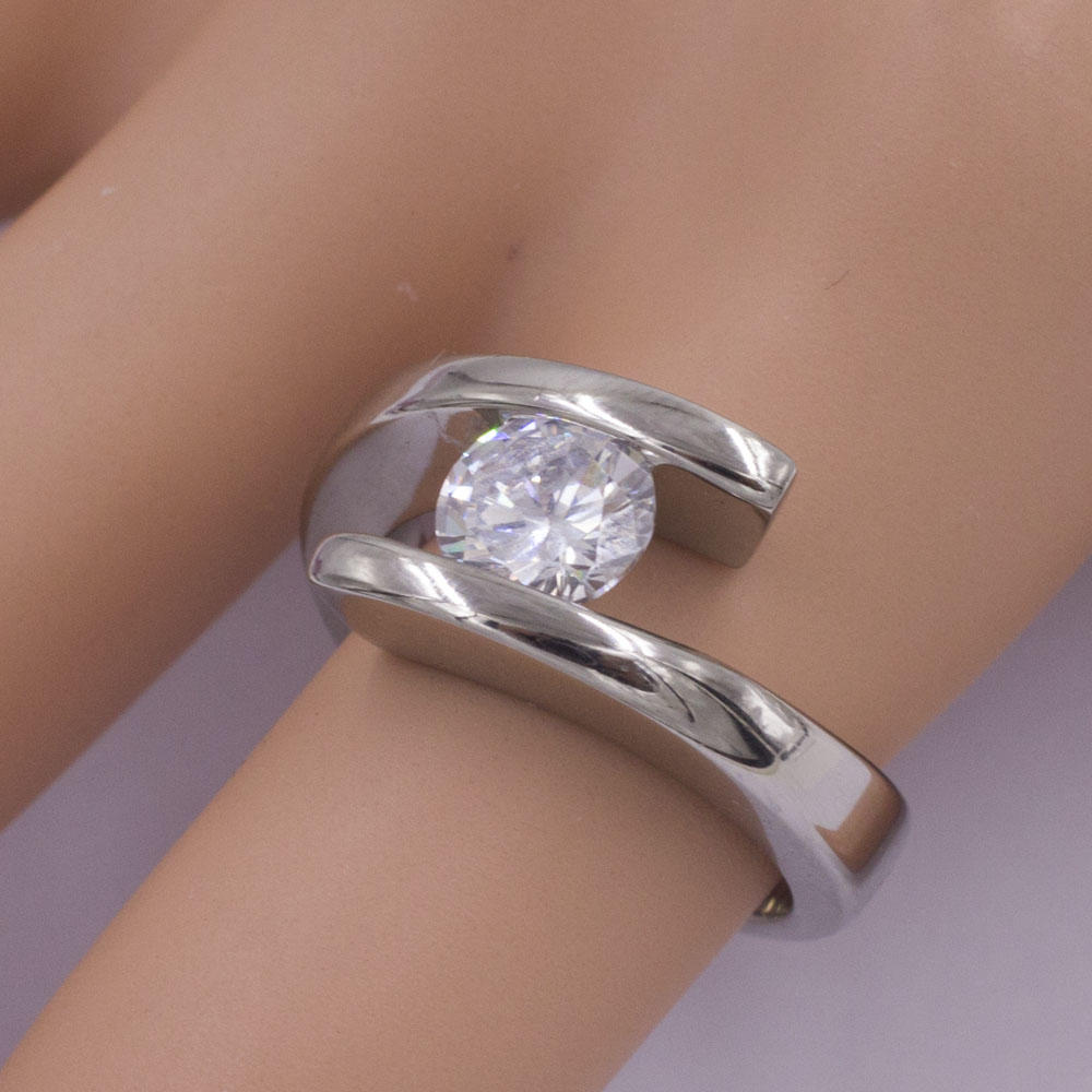 2018 Baiyu fashionable wave design crystal ring from China