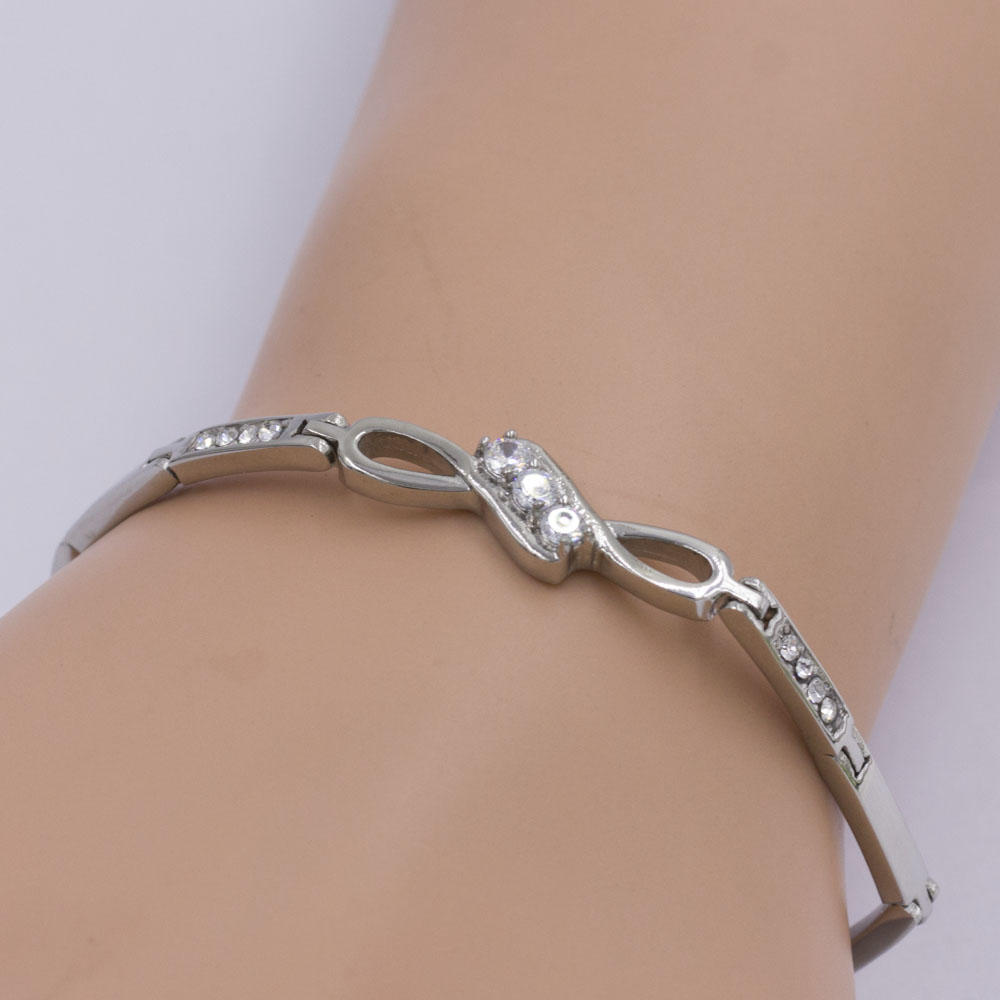 Crystal stone link chain bracelet in stainless steel