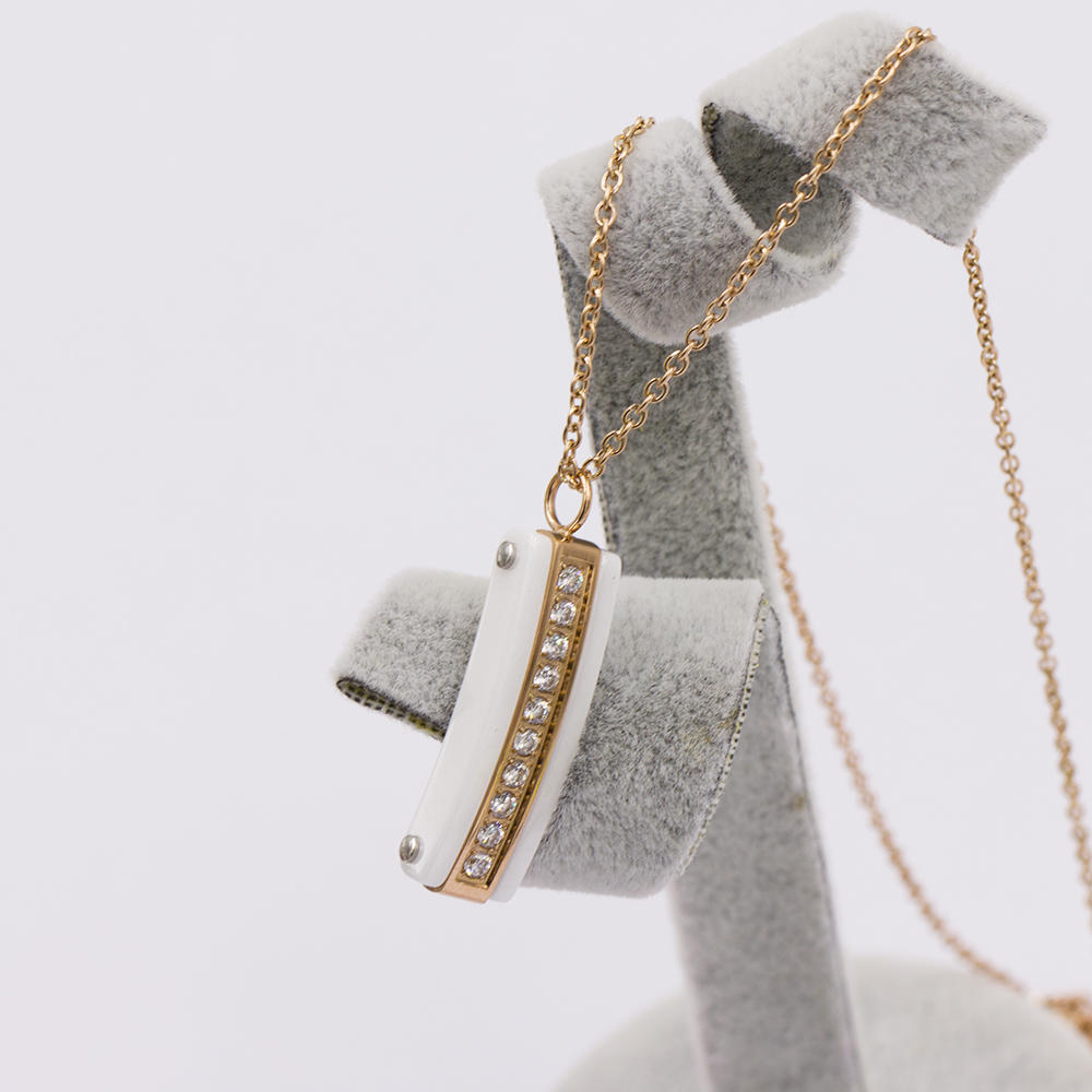 Latest factory price rose gold women necklace with crystal -VD057514aivb-676