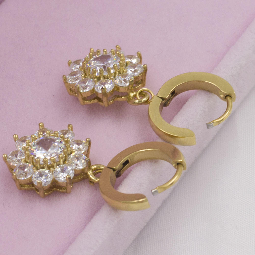 Beautiful gold plated flower earrings with crystals