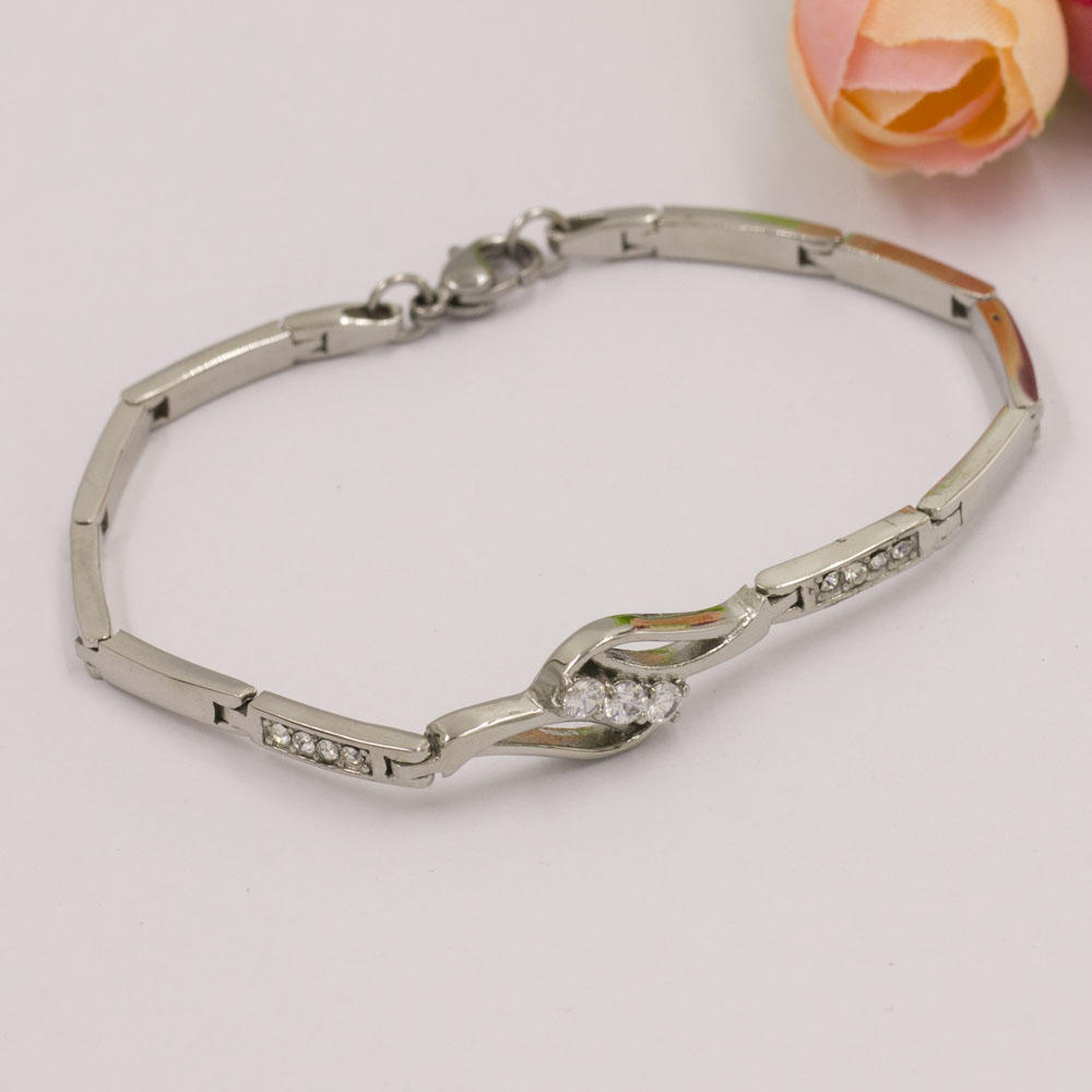 2018 trendy hot selling silver crystal in stainless steel bracelet wholesale wedding bracelet