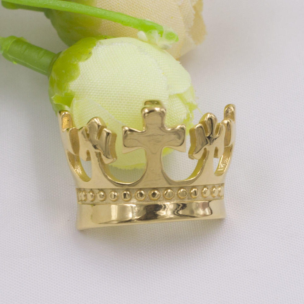Wholesale price stainless steel cross and crown pendant jewelry with gold plated