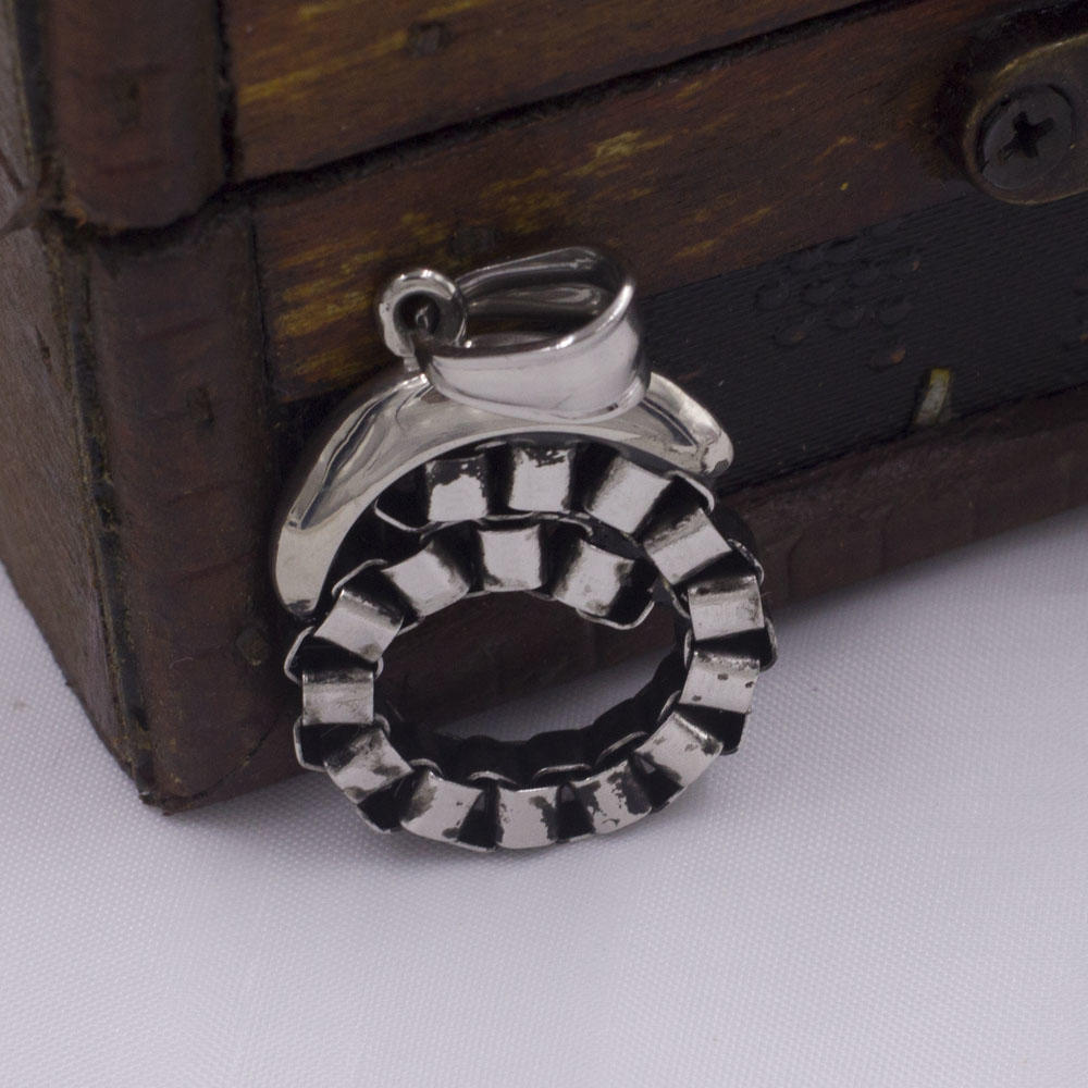 Custom stainless steel jewelry moon hollow pendant