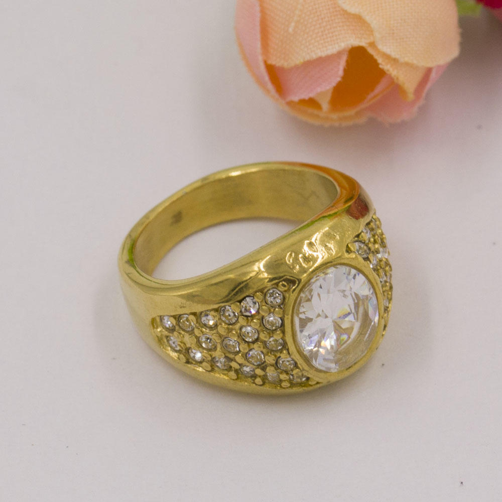 Modern latest wholesale wedding gold crystal ring,custom ring in stainless steel
