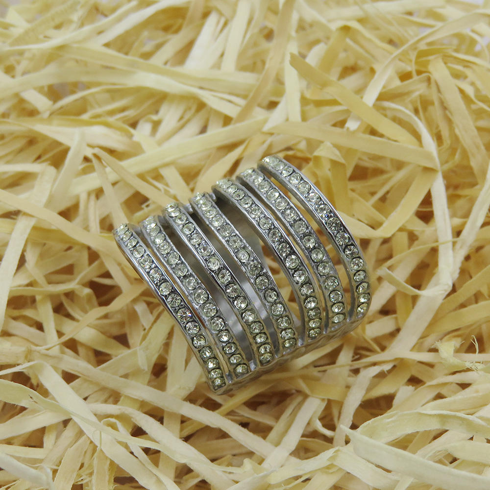 Stainless steel women wedding jewelry ring with bling white stone